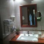 La salle de bain chambre 608