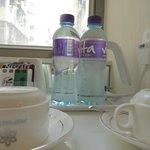 無料の水のペットボトルがあって嬉しい