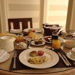 IN suite breakfast