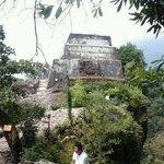 CERRO DEL TEPOZTECO (PIRAMIDE)