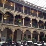 El claustro, espectacular