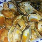 Excelentes almejas con una gran salsa marinera