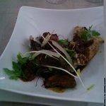 - salade gourmande de jeunes pousses au faisan et pintade