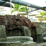 Jacuzzi de Piedra Agua Termal Mineral