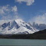 """Vista de las Torres del Paine,en  el Lago Serrano"""""""