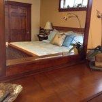 Hartzell House Bed & Breakfast