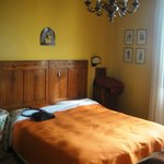 Das liebevoll eingerichtete Zimmer