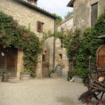 Der innere Hof von San Donato