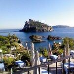 Vista Castello Aragonese dal terrazzo Hotel La Ninfea