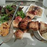 L'assiette du Perot-Quais : brochettes de poulet