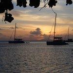 coucher de soleil devant le bungalow