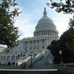 Капитолий — местопребывание Конгресса США на Капитолийском холме в Вашингтоне