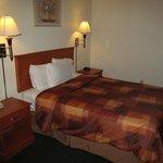 North Bay Inn, Santa Rosa: room with bed