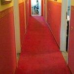 Corridor et Salle Breakfast au fond