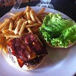 La deliciosa hamburguesa.