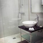 lovely shower with adequate glass