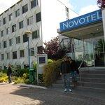 entrada do Novotel Paris Cretil Le Lac
