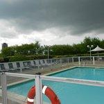 bom serviço de piscina