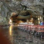 Vers l'hôtel de la grotte du senctuaire