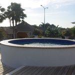 zwembad achter op het resort