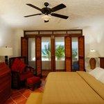 Mariposa bedroom 2