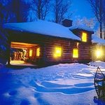Algonquin Cottage Outpost and the Algonquin Log Cabin의 사진