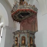 il tettuccio del pulpito con S. Michele