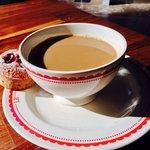 Kaffe dricks ur frukost/soppakål.