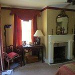 MacGregor Aury Room