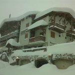 tempéte de neige sur l' hotel