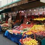 Рынок рядом с отелем