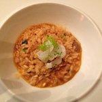 arroz muy cremoso de verduras, tallarines de sepia y setas