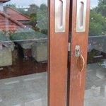 doors to bedroom that do not shut