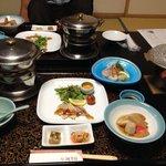 和食会席、このあとグラタンとお豆のごはん、お吸い物。