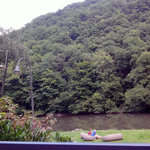 Hotel / River