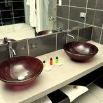 Interior de cuarto de baño hab. Doble