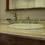 Espaciosos baños, totalmente equipados