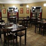 Sentite como en casa en ImpeTu: amplio y confortante salón con atención personalizada.