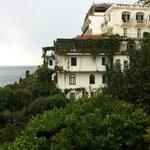 Lage mit wunderbarem Blick auf Amalfi
