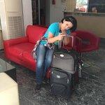 Холл отеля - печальное время отъезда :)