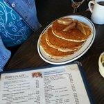Gloucester - Zeke's - pancake sampler