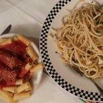 Spaghettoni aglio e olio e Rigatoni alla salsiccia