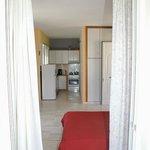 Areti-Maria Apartments resmi
