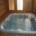 Hot tub on side deck