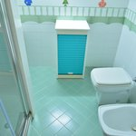 Toilette con doccia