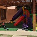 area de juegos para chicos! muchos juguetes, sala de arte para pintar!