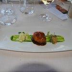 Butakaku Glaseado con algas, manzana asada y frutos secos