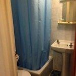 voici la salle d'eaux, invisible sur leur site!