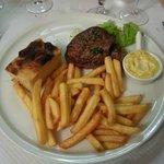 Bavette sauce aux échalotes - Gratin maison et frites