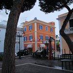 Hotel L'Isola entrance